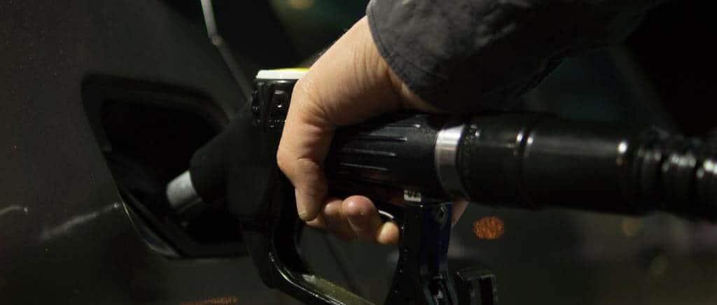 E se nada podemos fazer para combater os constantes aumentos de preços do  combustível c0d11bf509ab